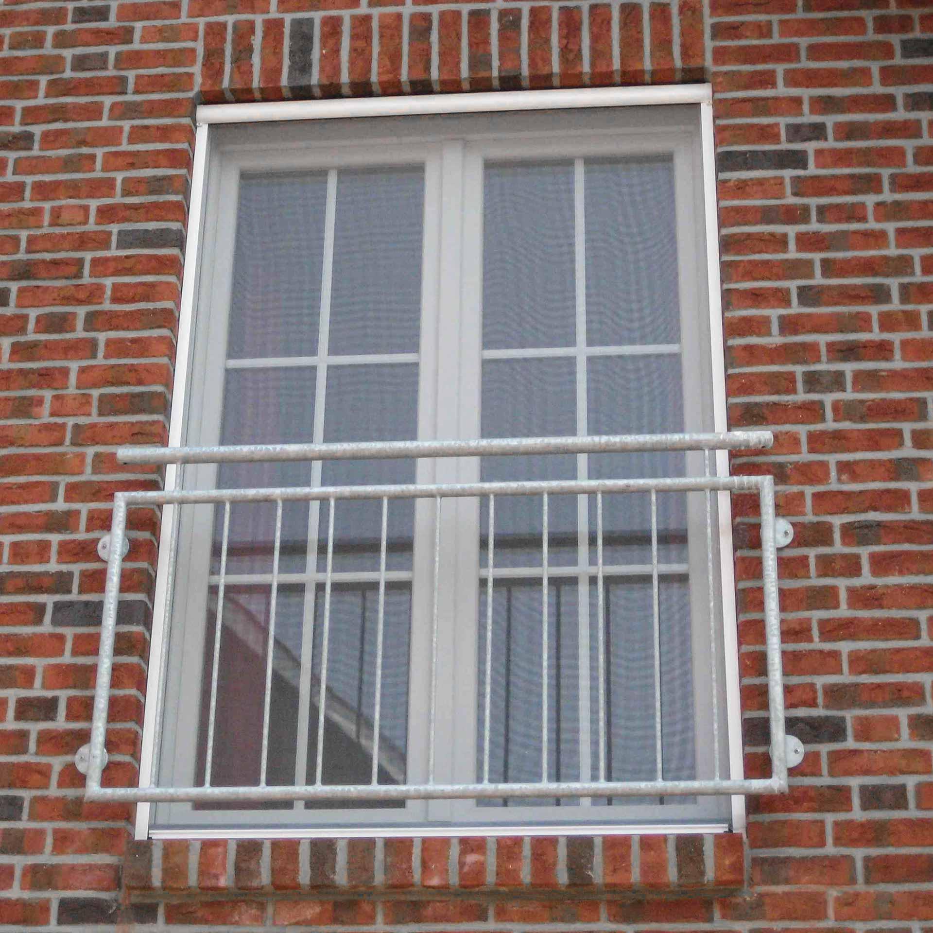Preiswertes Insektenschutzrollo auf Maß für bodentiefe Fenster | Adria