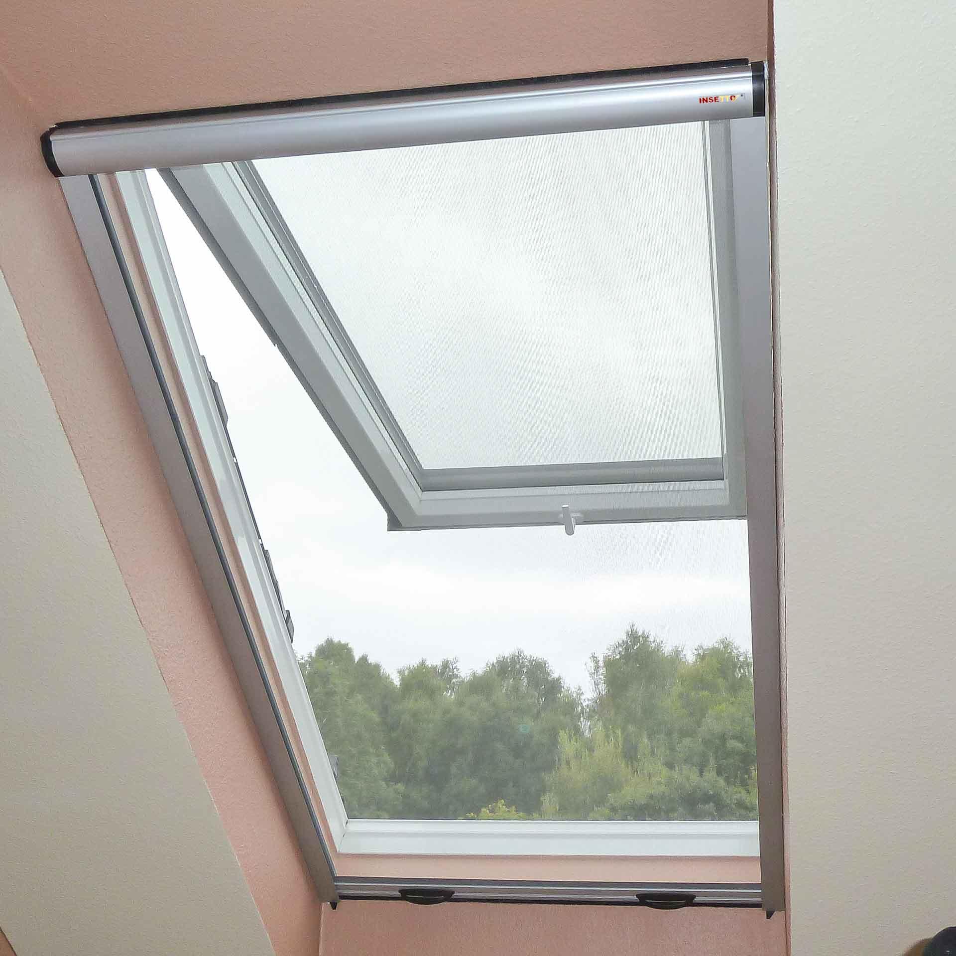Insektenschutzrollo, auch für breite Dachfenster geeignet | Multiline