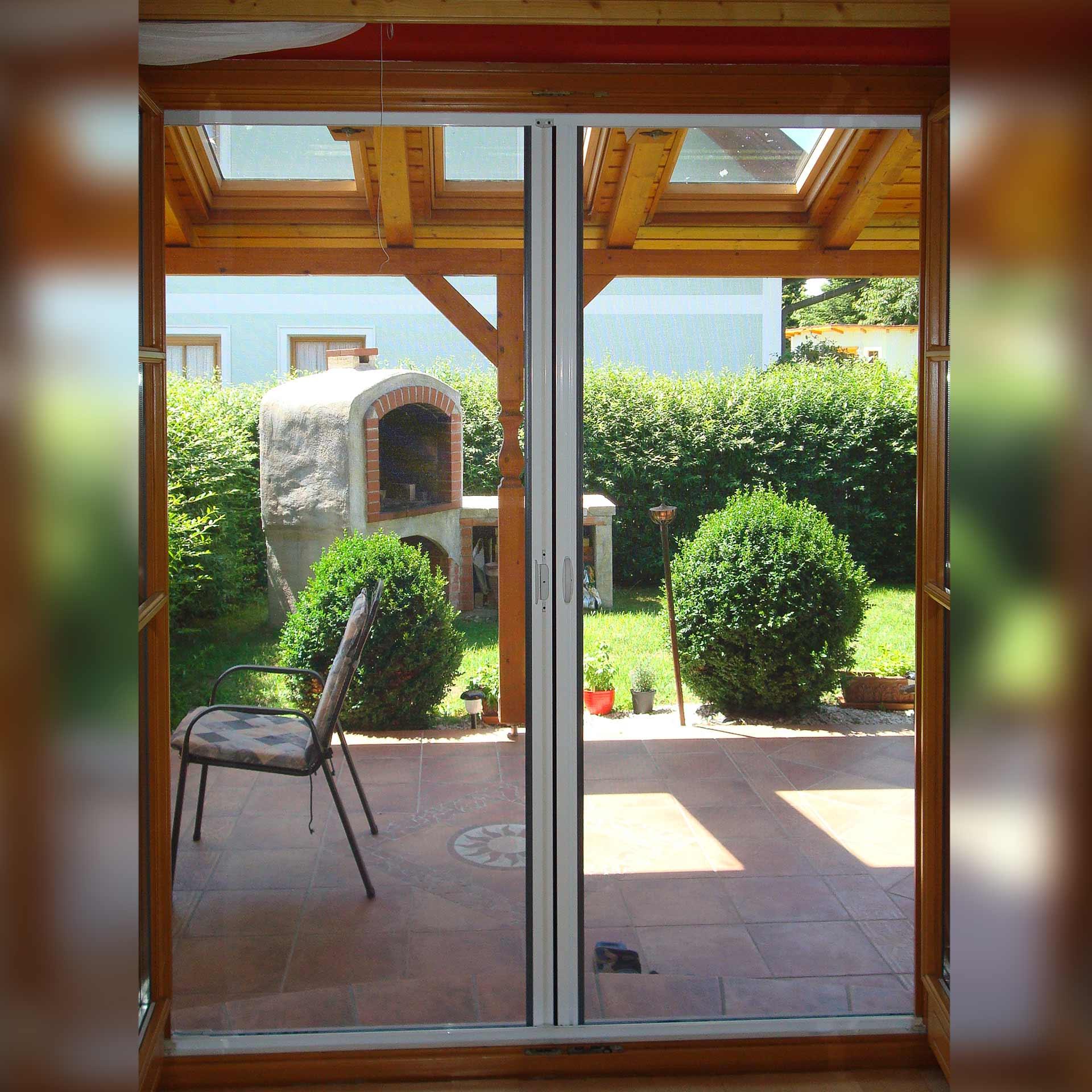 Insektenschutzrollo Doppeltür mit komfortablem Doppeltürverschluss | Multiline