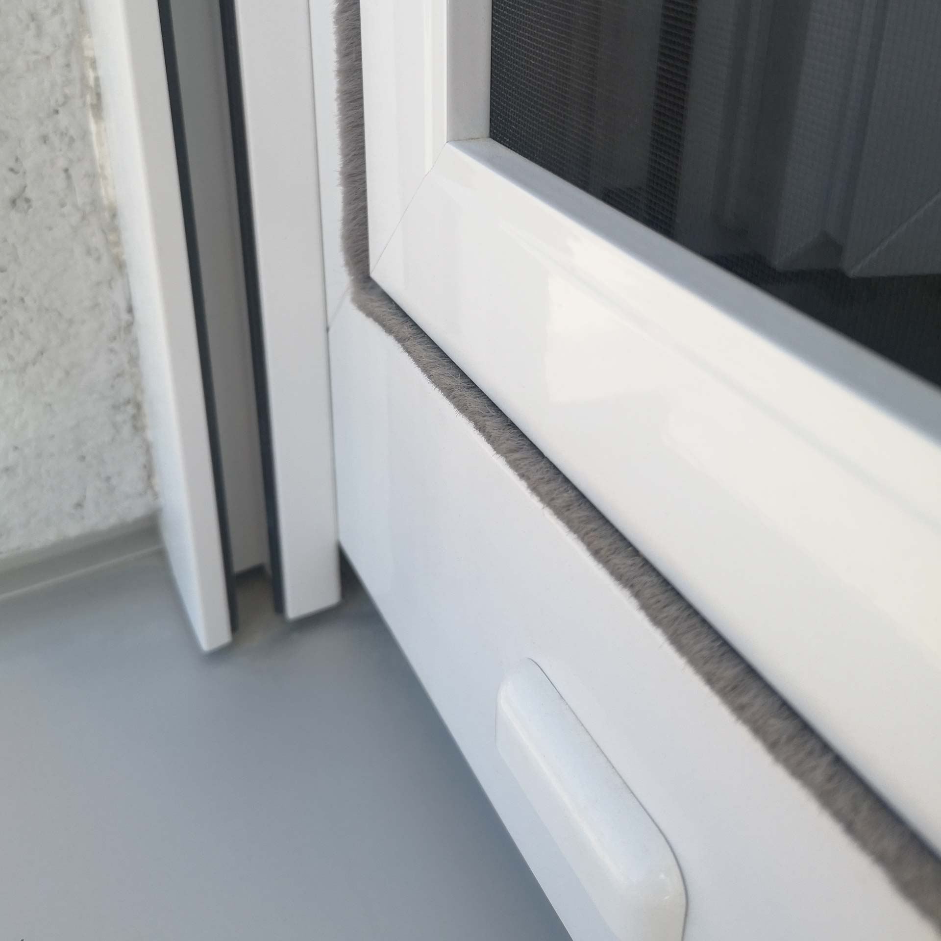 Fliegengitter für Kunststofffenster von innen einhängen | fix & fertig | Florida