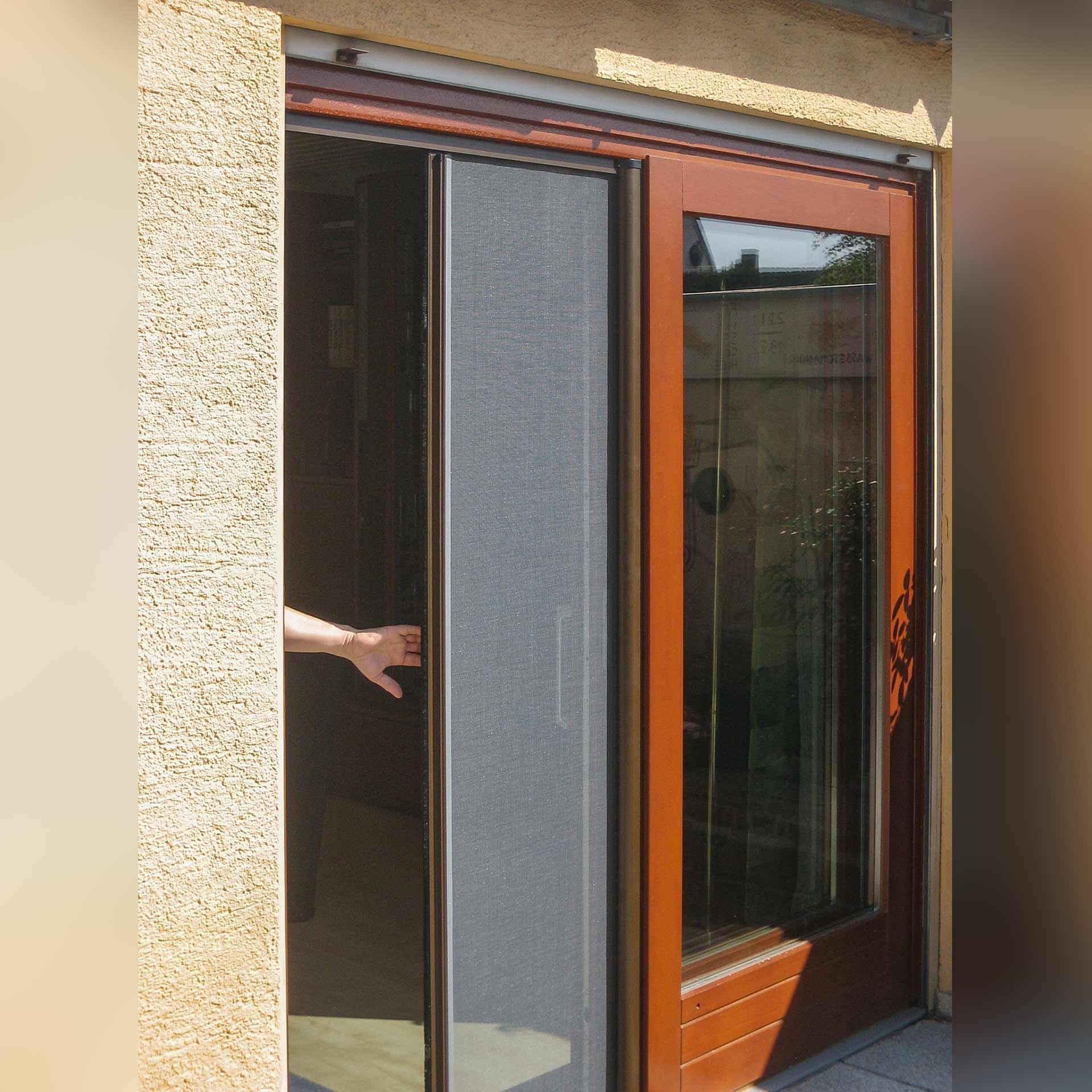 Insektenschutzrollo für Türen | innen mit Griffmulde | bis 1,2 m Breite | Adria