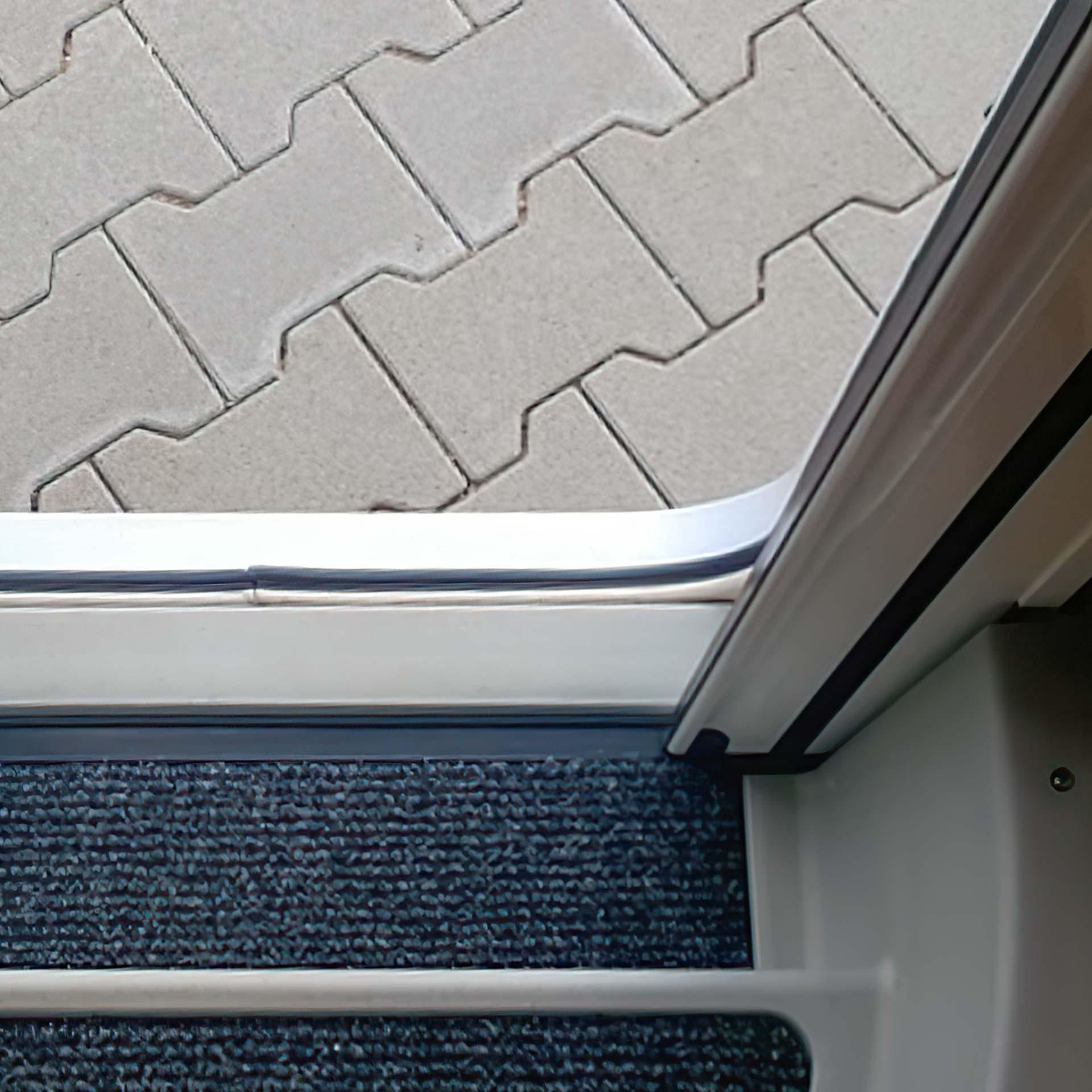 Insektenschutz-Plisseetür für Wohnmobile | bei 18 bis 22 mm Platz | Slimline18